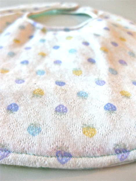 Super Cute Bubbles Bib!